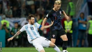 کرواسی در مرحله گروهی سه هیچ آرژانتین را شکست داد