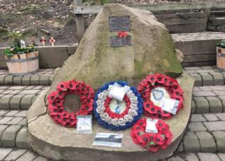 Mi Amigo crash memorial, Endcliffe Park, Sheffield