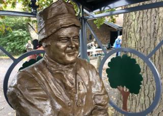 Adge Cutler statue
