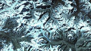Spy satellites reveal Himalayan melt