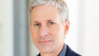 Chris Larsen
