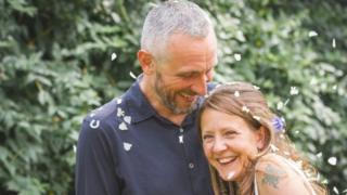 羅素·戴維森和妻子溫迪