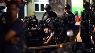 Penusukan polisi di masjid Falatehan, Jakarta Selatan
