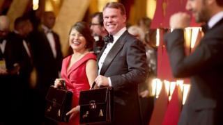 Bw Cullinan mmoja ya mahasibu wa kampuni ya PricewaterHouseCoopers waliokanganya watu katika tuzo za Oscars