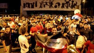 Tahrir Meydanı'nda bir araya gelen Iraklılar