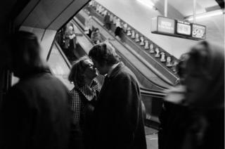 Пара целуется, 1978