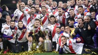El equipo de River Plate celebrando su triunfo en la Copa Libertadores
