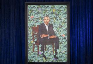 Retrato de Barack Obama, pintado por Kehinde Riley