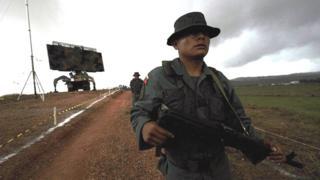 Un soldado venezolano cerca de la frontera con Brasil durante unos ejercicios conjuntos realizados en 2008.