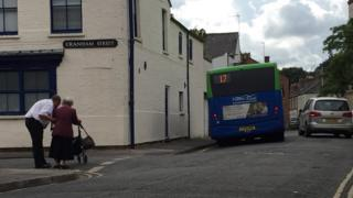 Driver Mark Adams pulled over his bus to help 90-year-old Maureen cross a road in the Jericho area of Oxford
