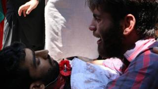 कश्मीर में प्रदर्शनकारी की मौत
