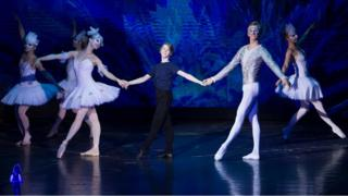 A scene from Billy Elliot performed by Hungarian State Opera
