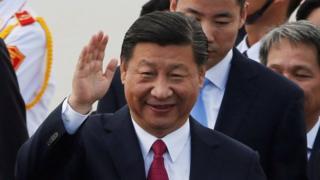 中國領導人習近平抵達越南出席APEC峴港峰會。
