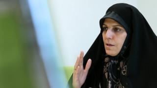 شهیندخت مولاوردی در دولت اول معاون امور زنان و در دولت دوم حسن روحانی دستیار او در حقوق شهروندی بوده است