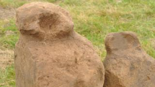 """Nine """"amazing"""" Bronze Age figurines found at Orkney dig"""
