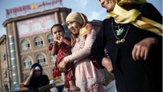 聯合國對「百萬維吾爾族人在新疆被拘」的報道感到震驚,並呼籲釋放以反恐「借口」被拘押的人。