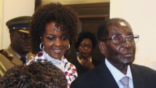 Rais Mugabe na mke wake Grace