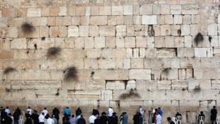 Стена Плача - самое священное для евреев место