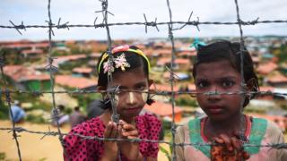 ပဋိပက္ခတွေကြောင့် ရိုဟင်ဂျာ ၇ သိန်းလောက် ဘင်္ဂလားဒေ့ရှ်ဘက်ကိုထွက်ပြေးခဲ့ရတယ်လို့ လူ့အခွင့်အရေးအဖွဲ့တွေဆို