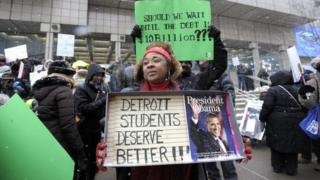 School protest ahead of Obama visit