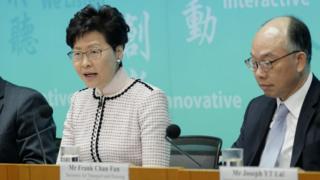 林郑月娥在新闻发布会上(新华社图片26/3/2019)