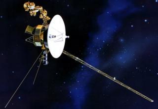 Ilustración de un Voyager en el espacio.