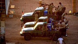 Abasirikare b'urwego rujejwe iperereza rwa Sudani bariko bararasa mu kirere uno munsi itariki 14/01/2020