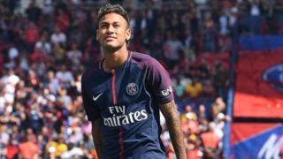 L'attaquant brésilien a été recruté cet été en provenance du FC Barcelone pour un transfert record de 222 millions d'euros.