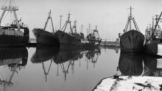 Trawlers in William Wright Dock 1979