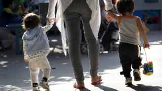 Más de 100 niños menores de 5 años fueron separados de sus padres en la frontera sur de EE.UU. desde finales de abril.