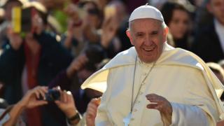 En Birmanie, le pape François est très attendu sur le drame vécu par la minorité musulmane des Rohingyas, victime d'un nettoyage ethnique selon l'ONU et Washington.