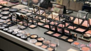 Make-up in a salon