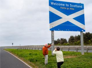 A French couple, who arrived in Hull by ferry, document their arrival to Scotland.