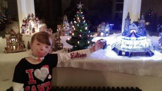 All 8-year-old Safyre Terry wanted for Christmas was cards to fill her tree.