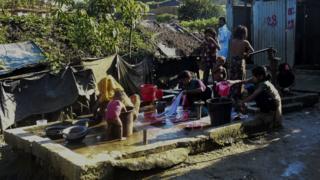 ชาวโรฮิงญาในบังกลาเทศจำนวนมาก
