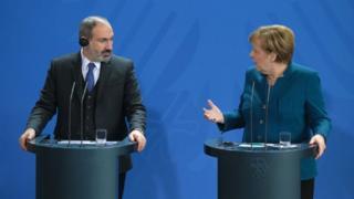 Paşinyan, Merkel