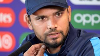 बांग्लादेश क्रिकेट टीम के कैप्टन मसरफे बिन मुर्तज़ा