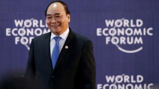 Thủ tướng Việt Nam Nguyễn Xuân Phúc dự Diễn đàn Kinh tế Thế giới vùng Mekong ở Hà Nội năm 2016