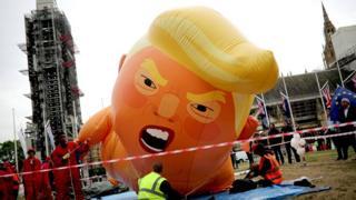 "Велики балон Трампа ""бебе"""