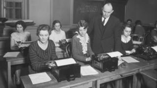 August Dvorak teaching a typing class at University of Washington, Seattle, in 1932