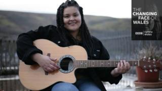 Singer Eadyth, 21