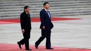 President of the Philippines Rodrigo Duterte (L) and Chinese President Xi Jinping (R) attend a welcoming ceremony at the Great Hall of the People on 20 October 2016 in Beijing, China.
