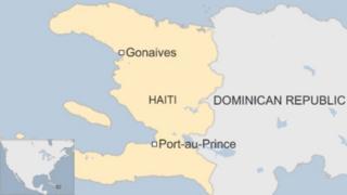 mji wa Gonaives upo kilomita 150 kutoka Kaskazini mwa mji mkuu Port-au-Prince.