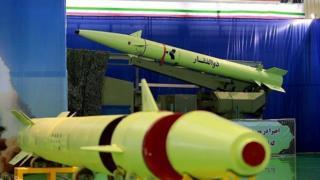 موشک ذوالفقار از موشکهای کوتاهبرد ساخت ایران است.