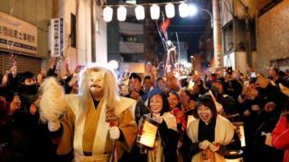 Новогодний парад в Токио