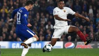Eden Hazard akifunga mojawapo ya mabao yake mawaili dhidi ya AS Roma