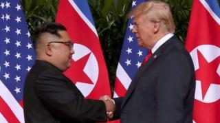 دونالد ترامپ و کیم جونگ اونگ در یکی از دیدارهای گذشته