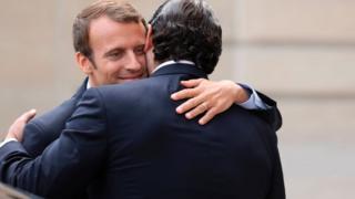 الرئيس الفرنسي إمانيويل ماكرون ورئيس الوزراء اللبناني المستقيل سعد الحريري