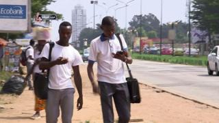 منظمة تجمع الهواتف المستعملة لاعادة تدويرها في أبيدجان