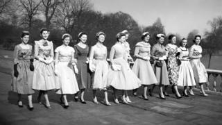 Debutantes in London, 1958